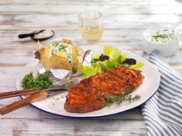 Rinderlendensteaks mit würzigem Löwensenf-Topping_72dpi